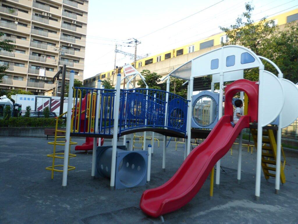 電車×公園