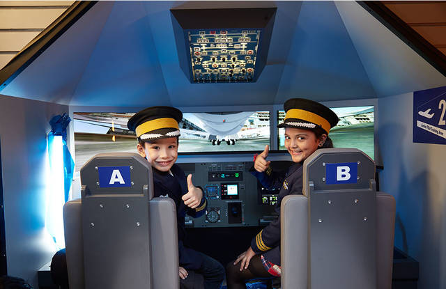 File:KidZania pilots thumbs up while playing in a cockpit simulator.jpg - Wikimedia Commons (113424)